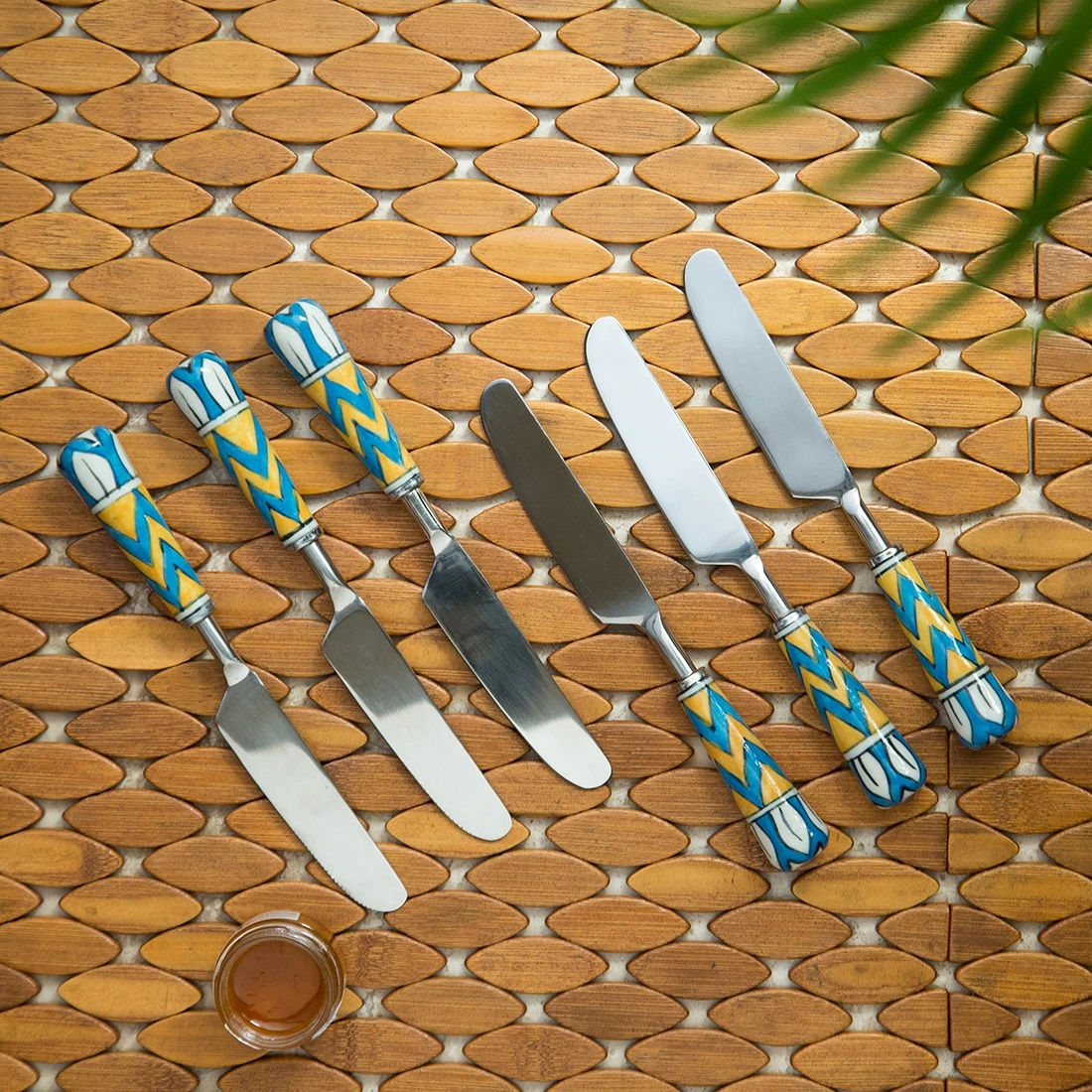 Moorni The Mughal Paich Daar Hand-Painted Table Knives In Stainless Steel & Ceramic (Set of 6)
