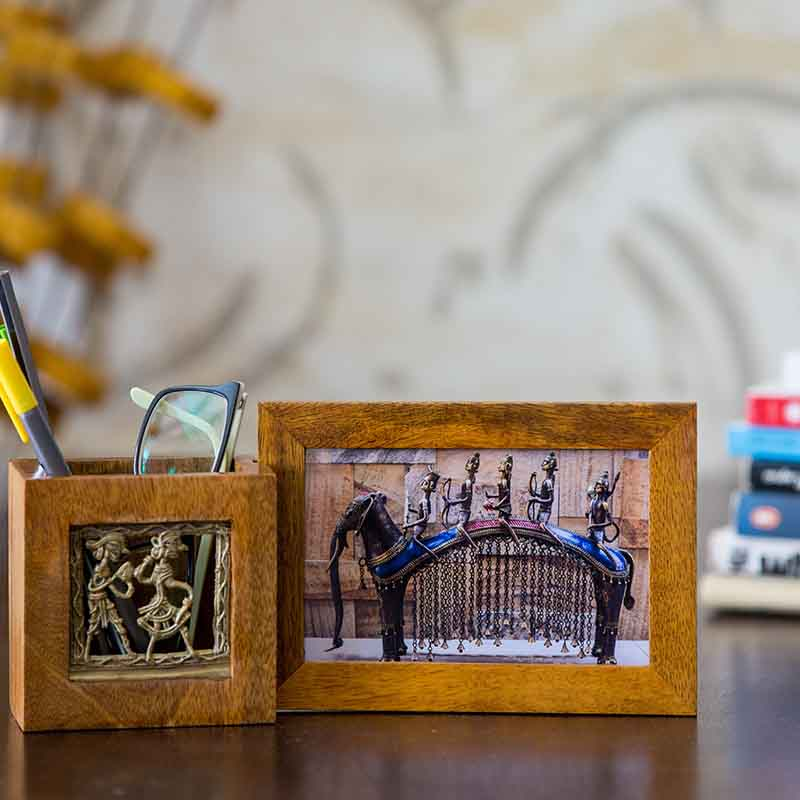 Olha-o Pen Stand with Photo Frame